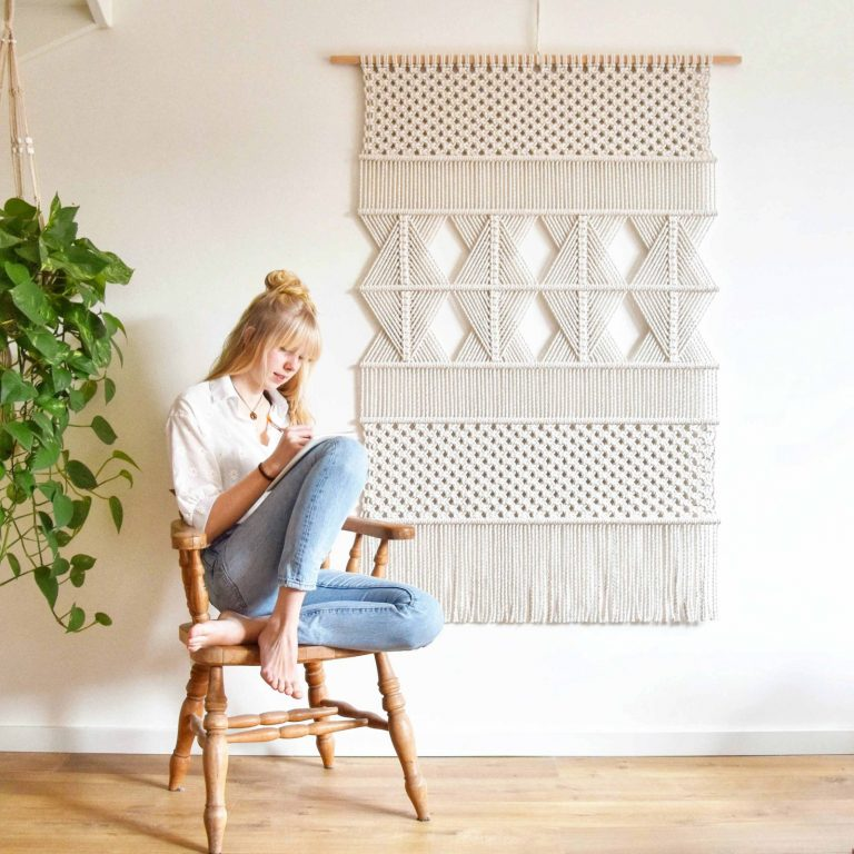 Tamar Samplonius contemporary macrame wall hanging / wandkleed