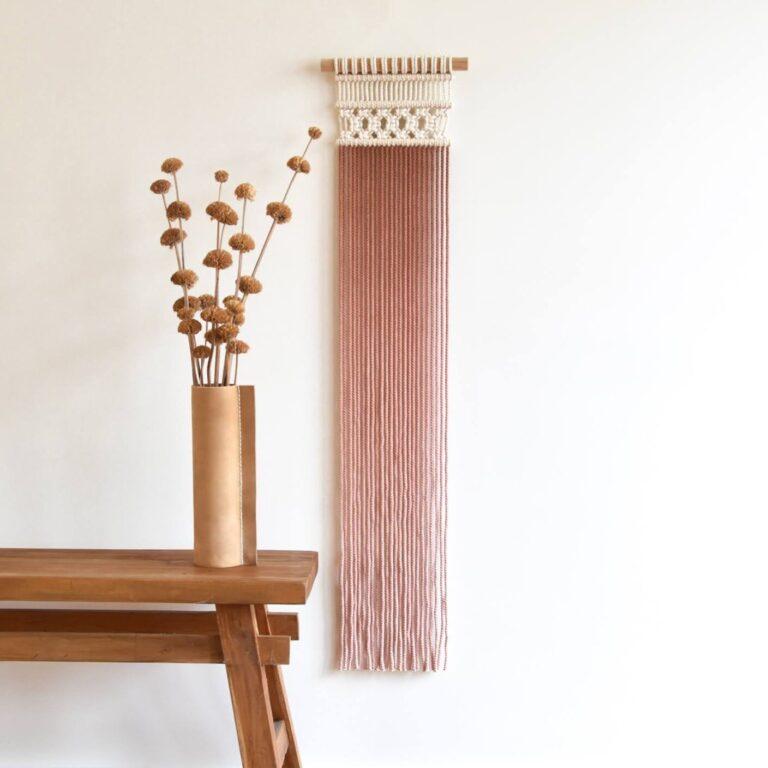 Tamar Samplonius contemporary macrame wall hanging / wandkleed dip dye